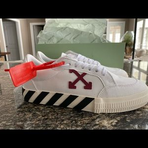 Women's Off-White low vulc sneakers EU 40 US 10